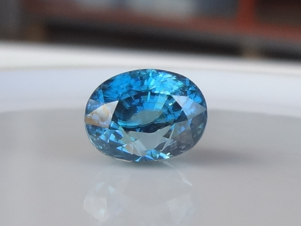 Zircon Zircon : Natural Blue ...