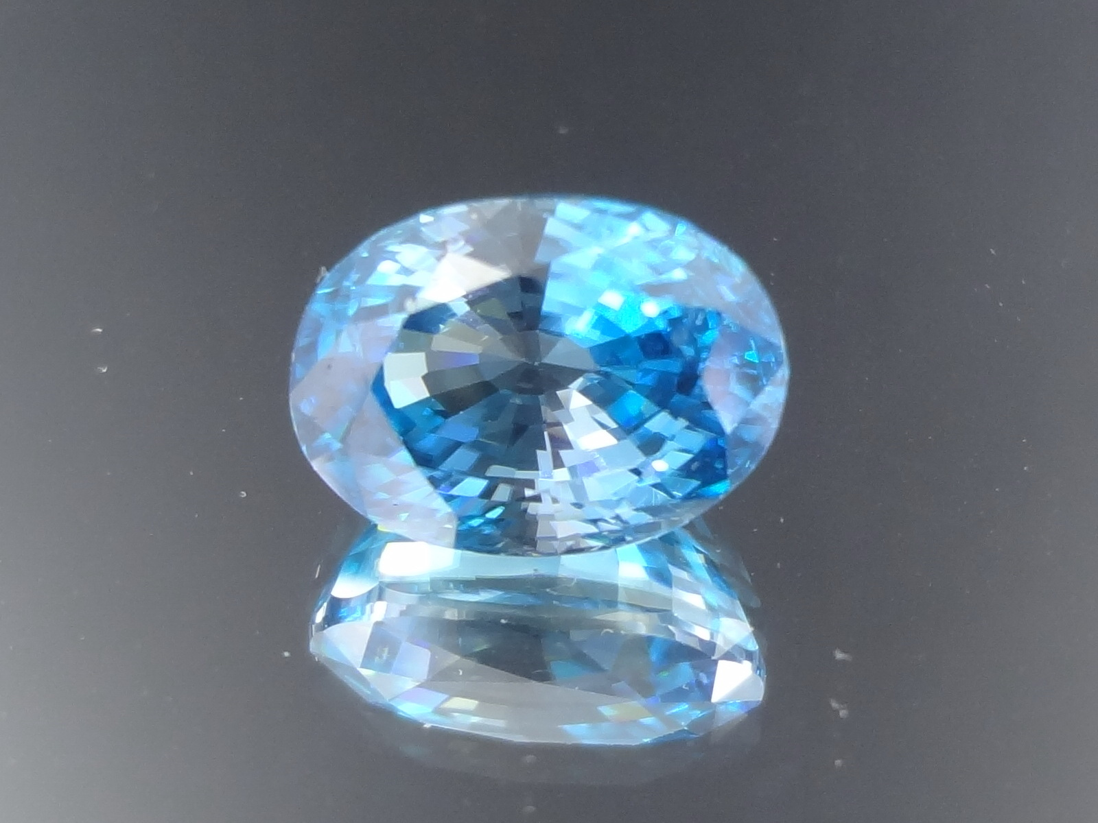 Large Flawless and Shiny Oval Blue Zircon from Cambodia, 8.9 carats