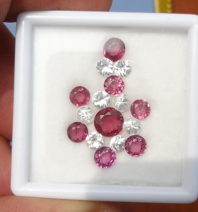 Deals for grabs: small sets of garnets and zirconium from 2 to 5 $ per carat