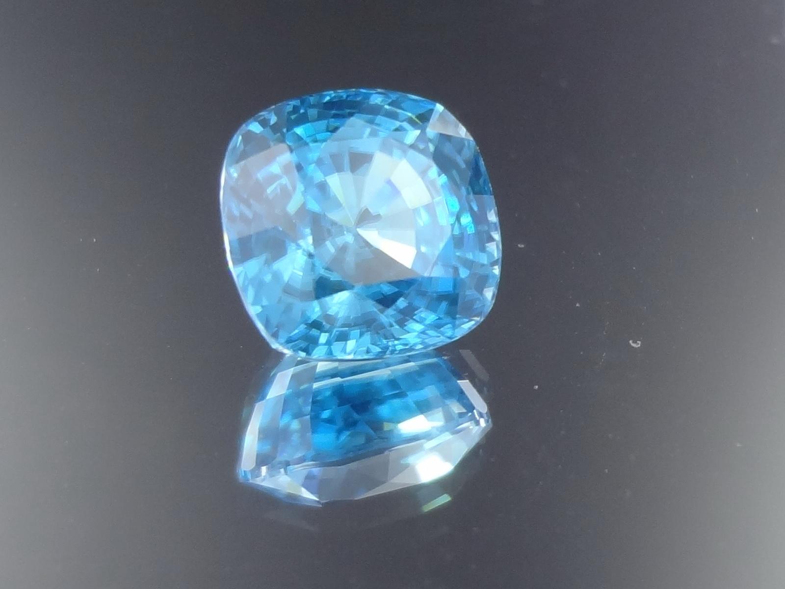 Best Value Nice Color Sky Blue Zircon
