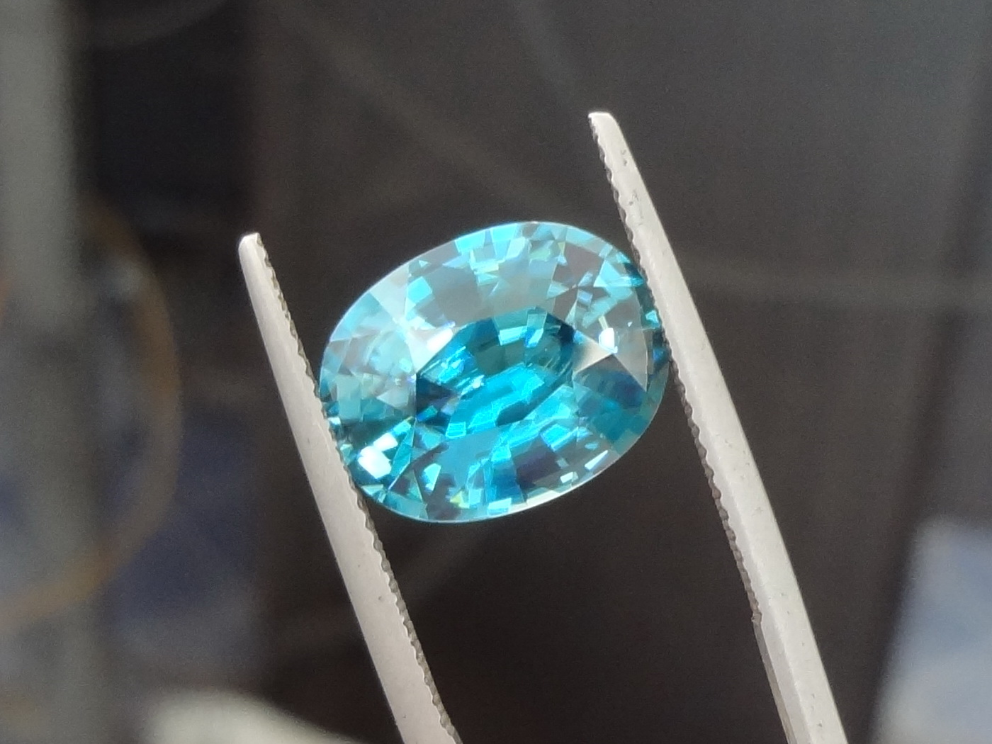 carat shape gemstone aquamarine blue oval teal sku brazilian brazil gemstones